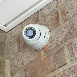720p Hd Weatherproof Night Vision Security Camera Lorex